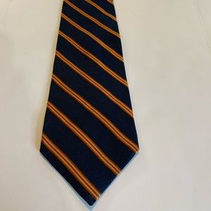 Brooks Brothers Makers 100% silk necktie